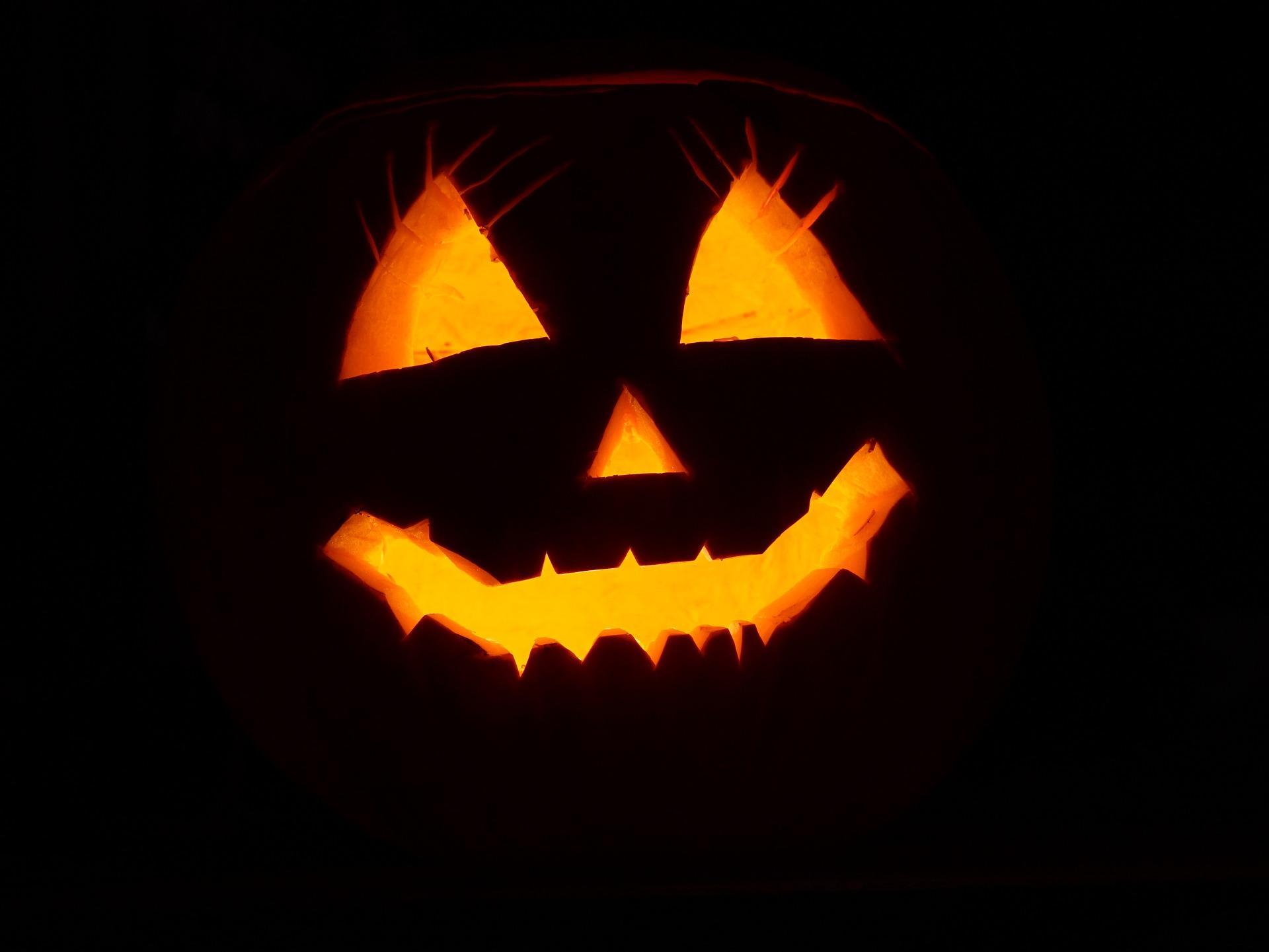 Foto Di Halloween.I 5 Film Horror Da Vedere Nella Notte Di Halloween Radio