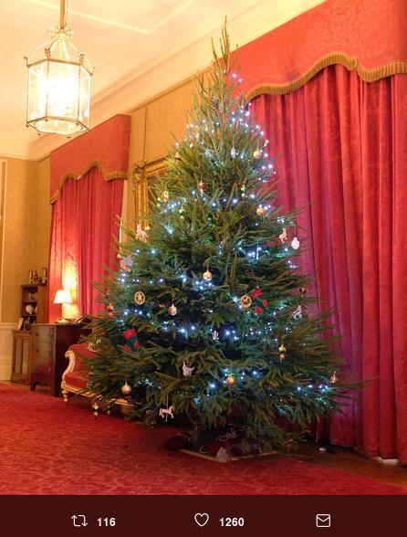 Albero Di Natale In Inglese.Ecco L Albero Di Natale Della Famiglia Reale Inglese Radio Monte Carlo