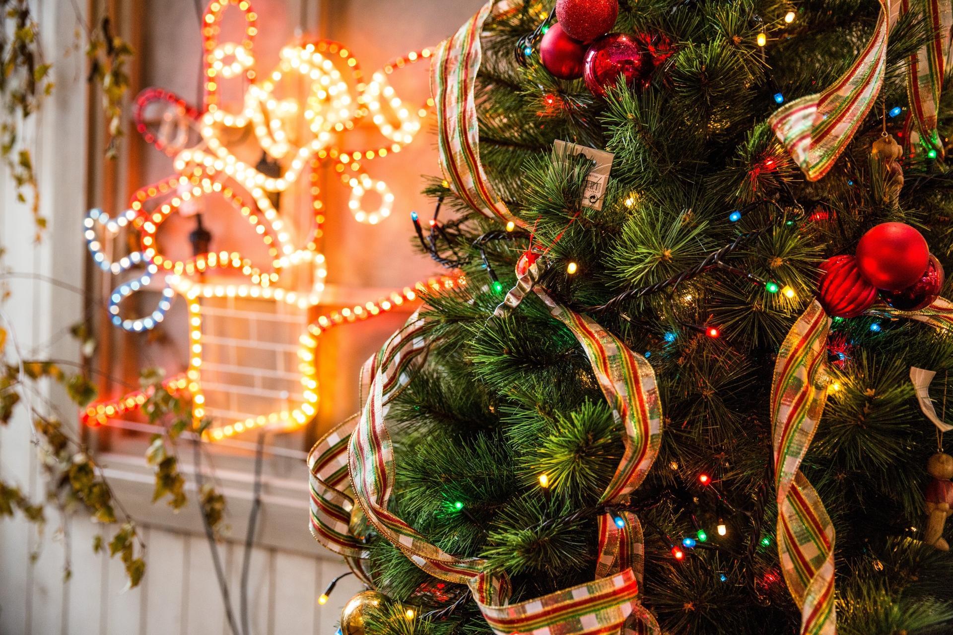 Addobbi Natalizi Tedeschi.In Germania Rinuncerebbero Volentieri Alle Luci Di Natale Per Aiutare Il Pianeta Radio Monte Carlo