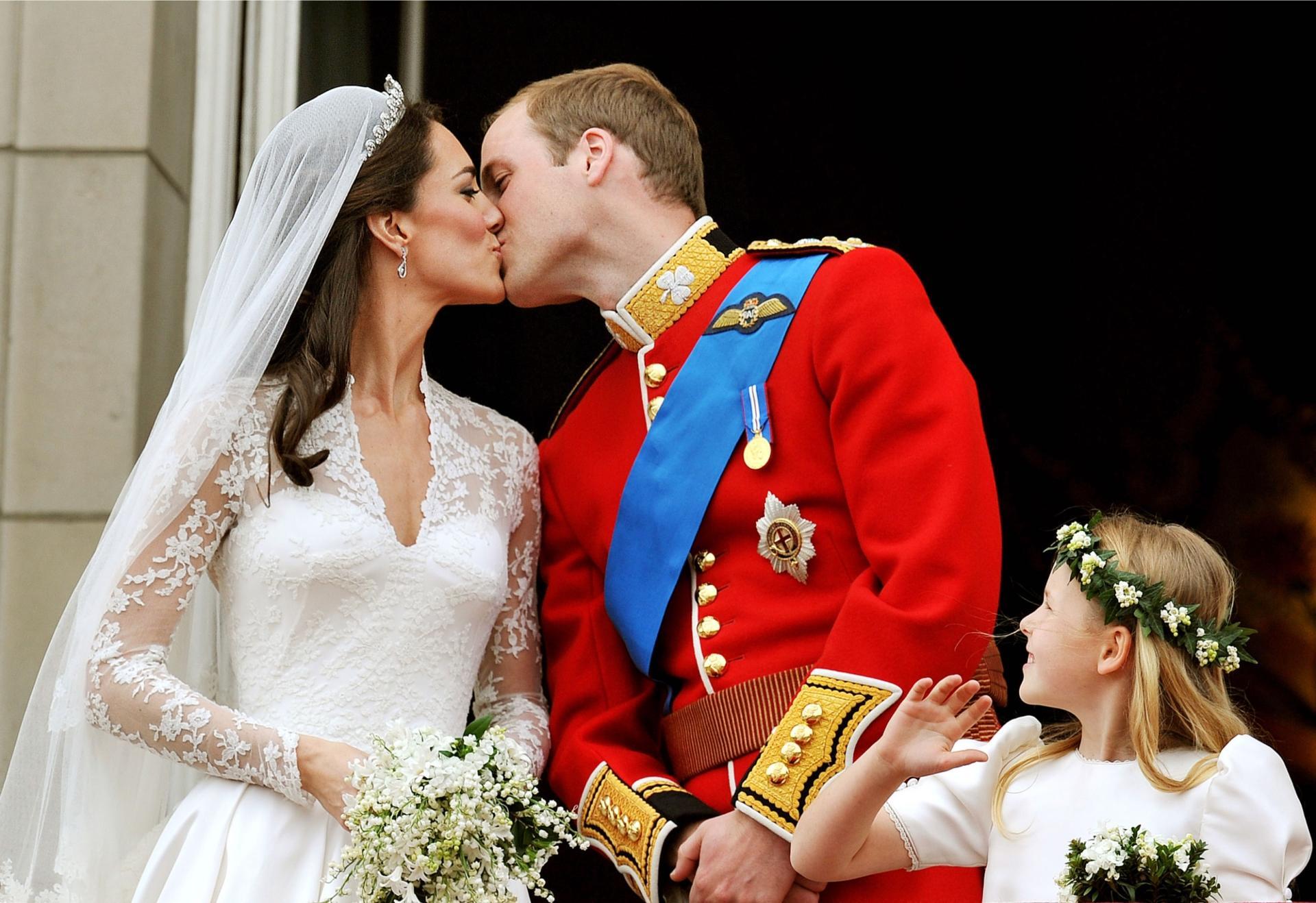 Anniversario Matrimonio Kate E William.Kate Middleton E Il Principe William Festeggiano 9 Anni Di