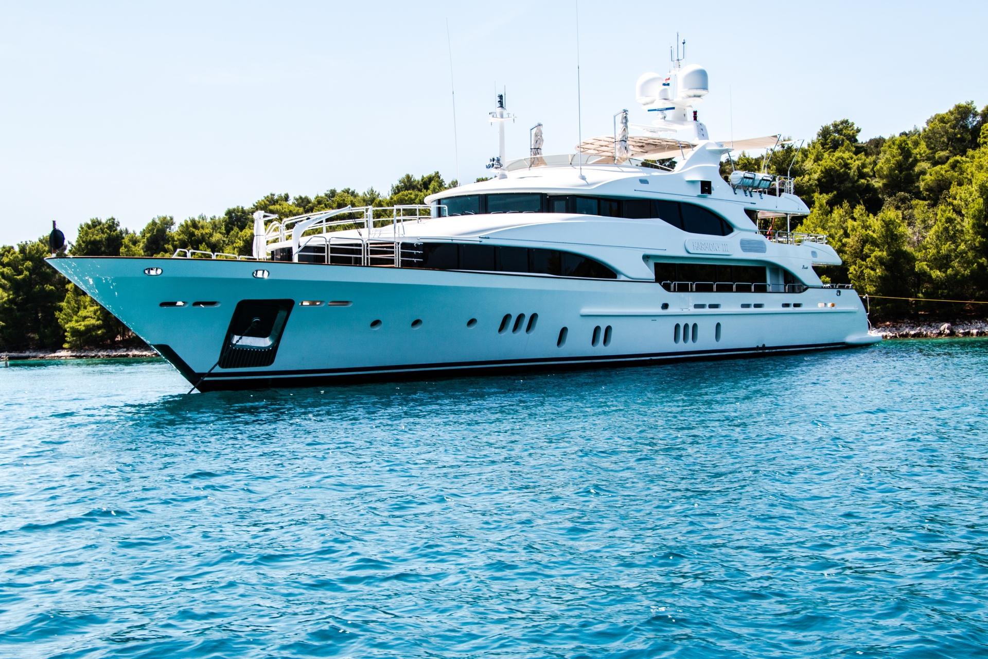 Parti Di Una Barca bed & boat. dormire una notte a bordo di uno yacht non è mai