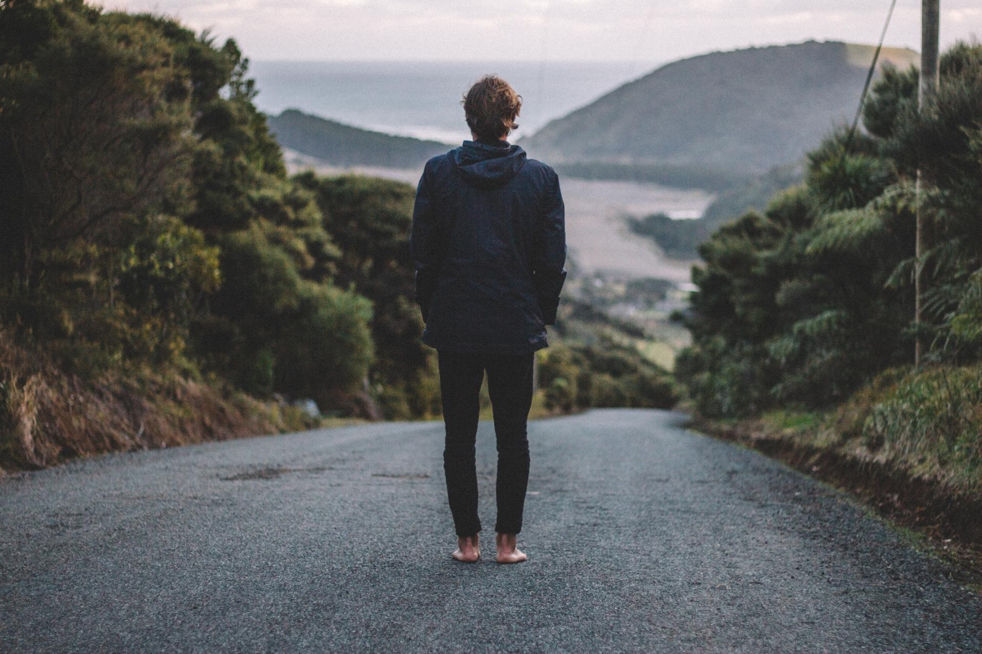 Sognare Di Camminare Scalzi tutti i benefici del camminare a piedi nudi  ma