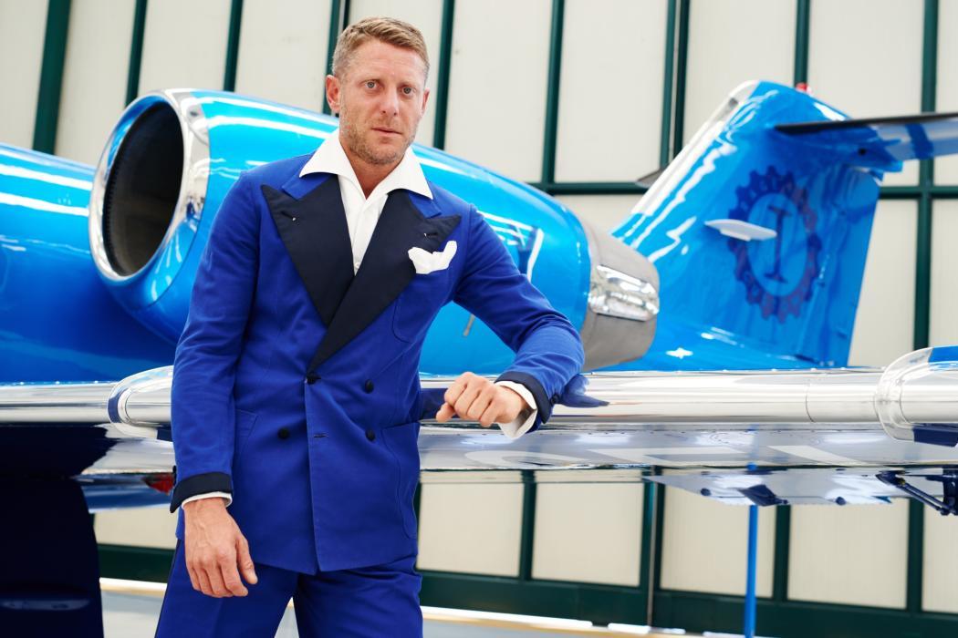 Jet Privato Lapo Elkann : Bombardier learjet il jet quot nel blu dipinto di