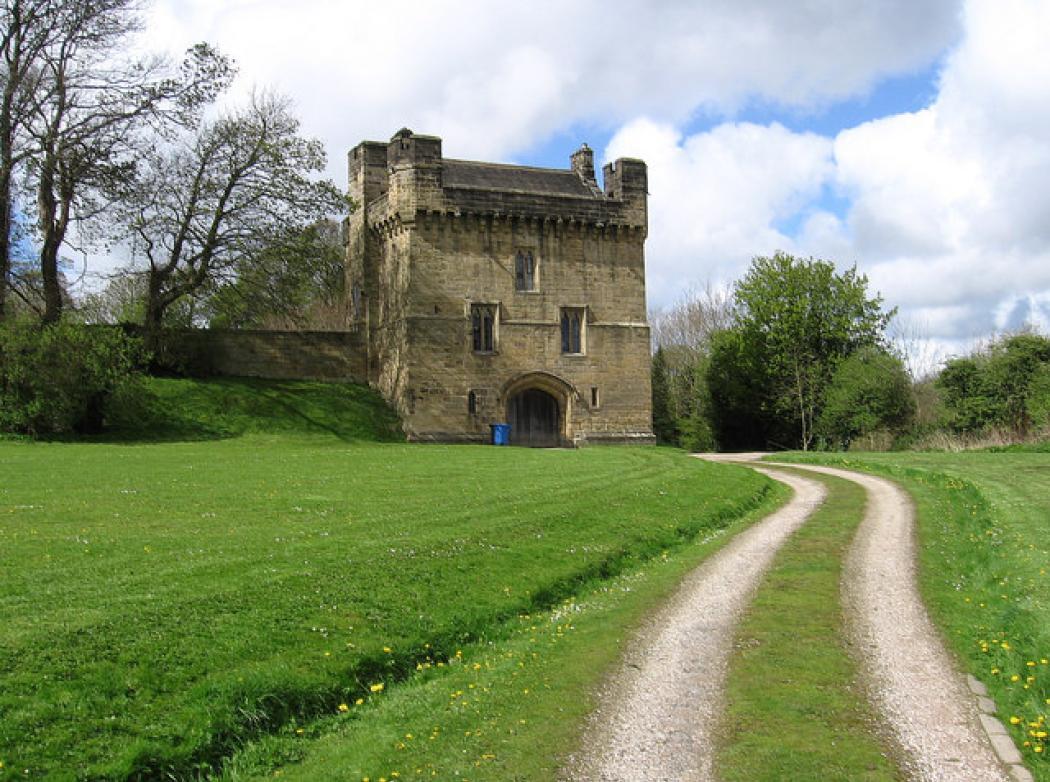 Vi piacerebbe dormire in un castello? Con 30 euro si può. - Radio ...