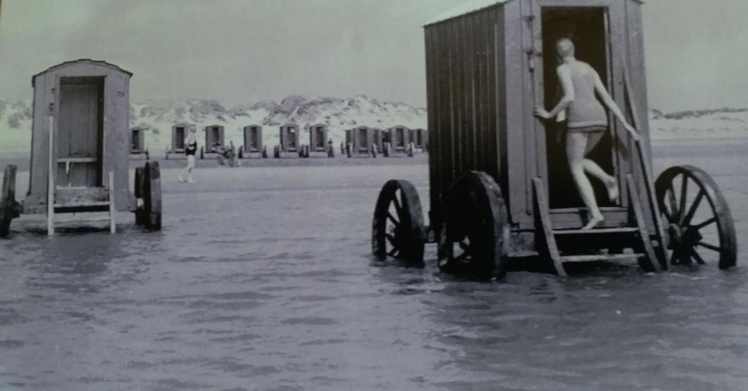 1850, the bathing machines