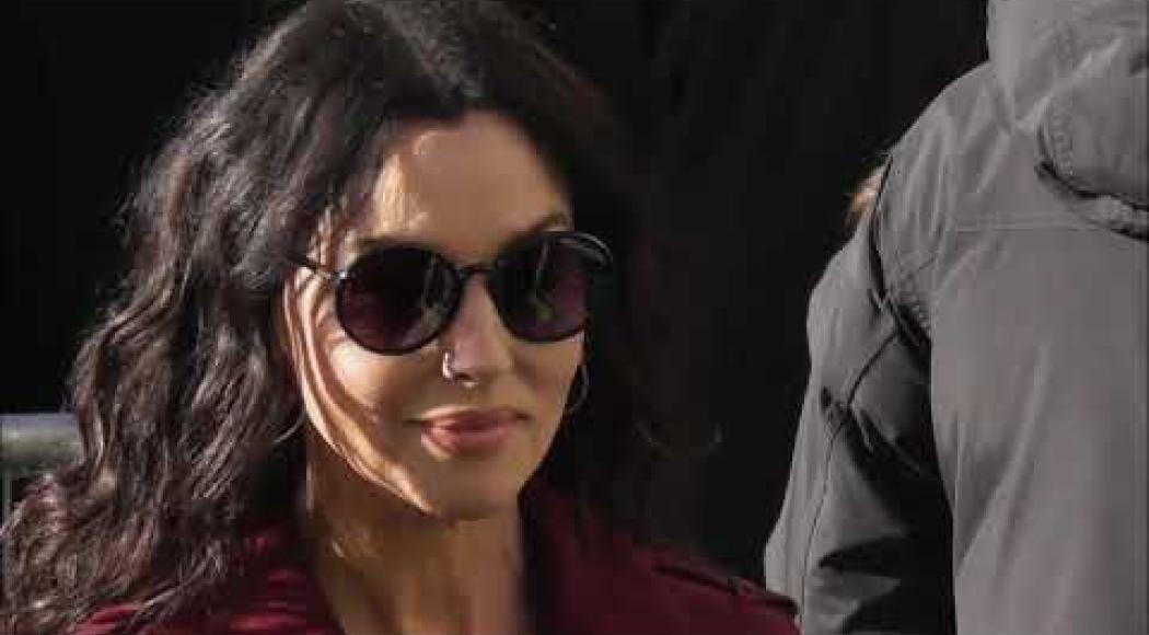 Monica Bellucci conquista Parigi. Guarda il suo look