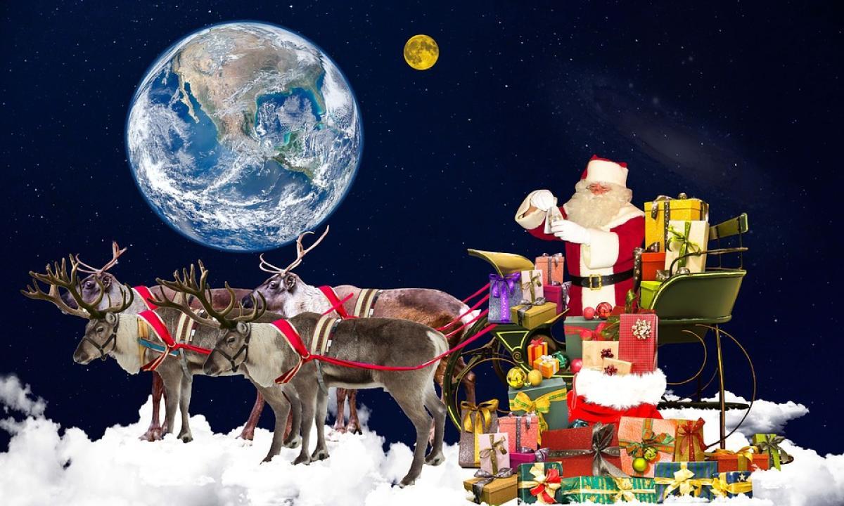 Regali Di Babbo Natale.Finalmente Spiegato Come Fa Babbo Natale A Consegnare Tutti I Regali In Una Sola Notte Radio Monte Carlo