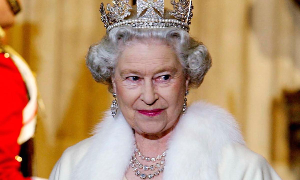 Regina Elisabetta Buon Compleanno Radio Monte Carlo
