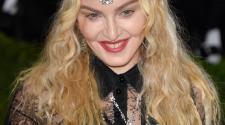 Madonna sempre più trasgressiva  al Met Ball di New York