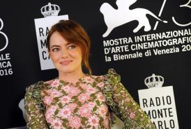 PIERPAOLO LA ROSA dalla 73° Mostra del Cinema di Venezia, il red carpet inaugurale e intervista a EMMA STONE