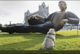 Jurassic Park: un'enorme statua di Jeff Goldblum a Londra per il 25 anniversario del film