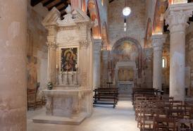 Chiesa di Santa Maria di Cerrate: l'altare barocco della Vergine