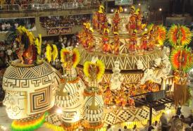 Rio de Janeiro, chi vincerà la sfida tra le scuole di samba?