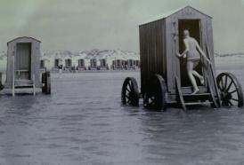 Le bathing machines