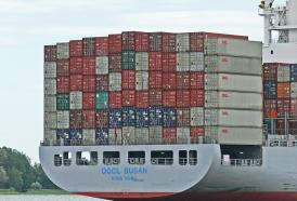 Trump minaccia tasse al 25% sulle importazioni dalla Cina.