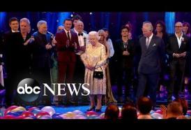 """Il principe Carlo chiama """"mamma"""" la Regina Elisabetta… e lei gli fa un'occhiataccia!"""