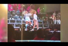 Beyoncé: capitombolo sul palco del Coachella