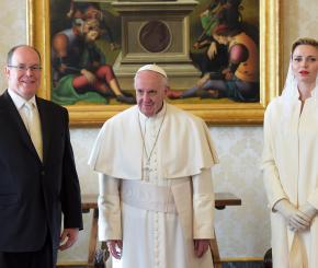 Esclusivo: le foto dei Principi di Monaco con Papa Francesco
