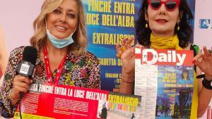 """La musica arriva a Venezia 77 con """"Si ballerà finché entra la luce dell'alba"""" di Elisabetta Sgarbi"""