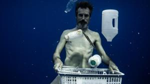 Uniti per non finire in un mare sempre più di plastica