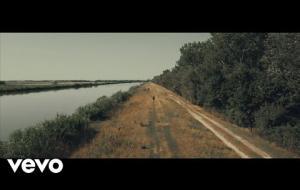 Lucio Dalla: guarda il nuovo video di Com'è profondo il mare