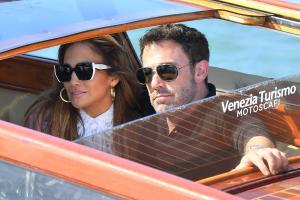 Jennifer Lopez e Ben Affleck: arrivo romantico a Venezia