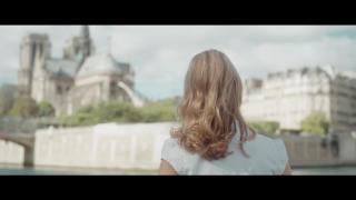 "Sarah McKenzie: guarda il video di ""Paris In The Rain"" in anteprima"