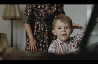 C'è Elton John nel nuovo video natalizio della John Lewis!