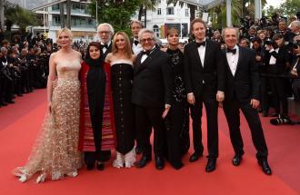 PIERPAOLO LA ROSA dal 69° Festival di Cannes, il Tappeto Rosso di chiusura