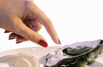 ALBERTO CAPUTO Sessuologo dello IES (Istituto di Evoluzione Sessuale), le ostriche