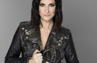Laura Pausini: nessun concerto in Sardegna, sui social arrivano le polemiche