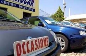 """DAI VESTITI ALLE AUTO, L'USATO E' DI MODA: CRESCE L'ITALIA DI """"SECONDA MANO"""""""