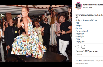 Jennifer Lopez canta a Capri Let's Get Loud. E il video diventa virale