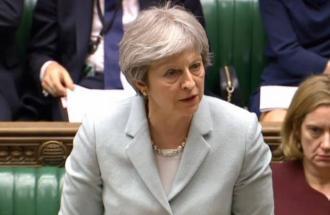 UK nel caos politico: Theresa May rischia di cadere?
