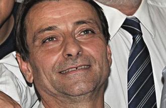 Cesare Battisti ancora in fuga: polizia e avvocati trattano la resa.