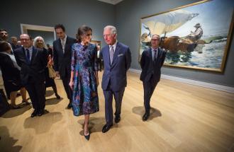 Il Principe Carlo incantato dalla Regina Letizia