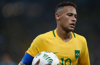 """Neymar denunciato per stupro: """"Sono caduto in una trappola""""."""