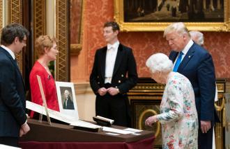 Trump e first lady nel Regno Unito: oltre alla regina Elisabetta c'è di più.