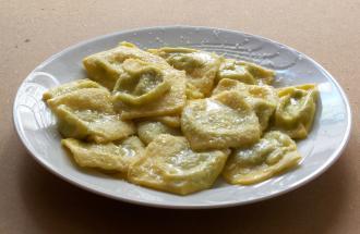 La nostra proposta per il weekend: tortelli nella notte di San Giovanni a Parma.