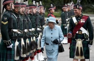 La Regina Elisabetta va in vacanza: ecco come sono le ferie regali!