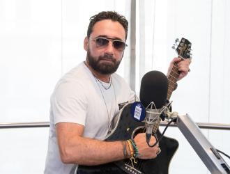 Tiromancino:  ecco cosa succede se Federico Zampaglione vede una chitarra!