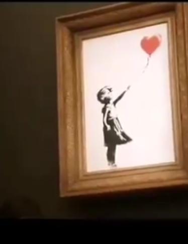 Banksy:  distrutta un'altra Ragazza con palloncino. Ma adesso il valore è di 1 sterlina...