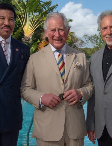 Lionel Richie e il Principe Carlo insieme a Barbados