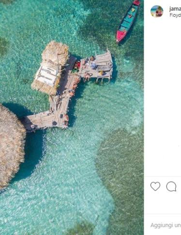 Fare il barista ai Caraibi su un bar galleggiante: ecco l'offerta dei sogni!