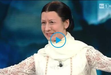 Virginia Raffaele nei panni dell'étoile di prima grandezza Carla Fracci