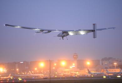 Il Solar Impulse vince la sua sfida e completa il giro del mondo