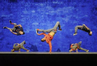 Red Bull Flying Bach: arriva in Italia l'emozionante show che unisce breakdance e musica classica