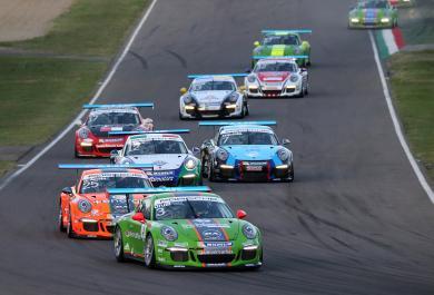 Carrera Cup Italia: Rovera vince la mini-endurance di Imola e Ledogar ipoteca il titolo