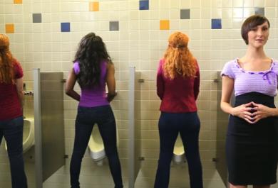 """Se il bagno è sporco, Go Girl salva le donne nel momento del """"bisogno"""""""