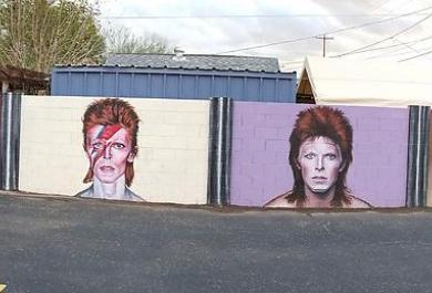 L'omaggio a David Bowie: gli splendidi murales di Phoenix